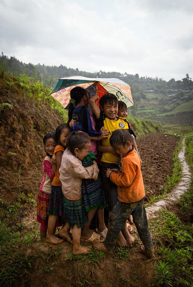 Những bức ảnh tuyệt đẹp này sẽ khiến bạn nhận ra, trong mưa, cuộc đời vẫn dịu dàng đến thế - Ảnh 8.
