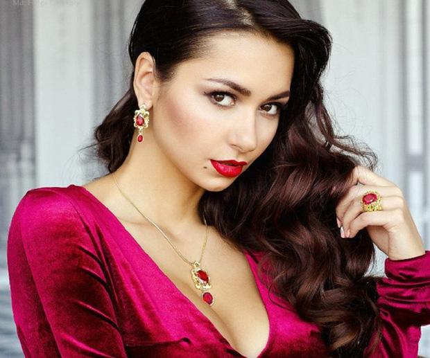 Vẻ đẹp siêu mẫu Nga bị tố phá vỡ hạnh phúc nhà James Rodriguez - Ảnh 6.
