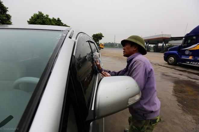 Cây xăng Việt đã cúi chào, tặng nước miễn phí cho khách trước cả khi cây xăng Nhật đến Hà Nội - Ảnh 8.
