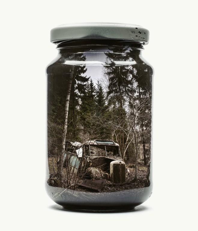 Chiêm ngưỡng bộ ảnh Gom cả thế gian vào lọ thủy tinh của nhiếp ảnh gia Christoffer Relander - Ảnh 8.