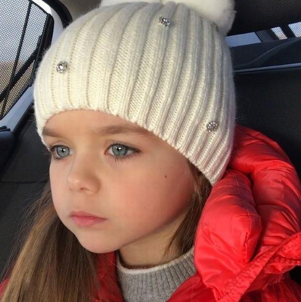 Sự thật đáng buồn phía sau danh xưng Cô bé xinh đẹp nhất thế giới của siêu mẫu nhí người Nga - Ảnh 8.