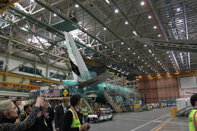 Dạo một vòng quanh nhà máy sản xuất máy bay lớn nhất của Boeing - Ảnh 8.