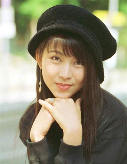 Nhan sắc của những mỹ nhân TVB thập niên 90: Chẳng cần photoshop vẫn đẹp đến nao lòng - Ảnh 9.