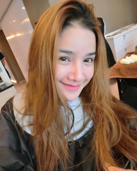 Cú lột xác ngoạn mục của cô gái Thái Lan từng bị bạn bè cười chê - Ảnh 9.