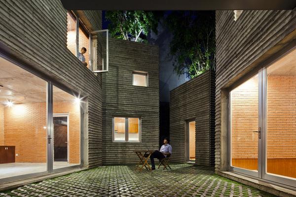 Hình ảnh thực tế gây tranh cãi về ngôi nhà đạt giải thưởng lớn của KTS Võ Trọng Nghĩa - Ảnh 8.
