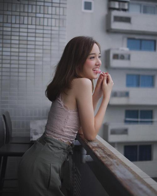 Hot girl Thái Lan khiến cư dân mạng tan chảy vì nụ cười ngọt lịm như đường - Ảnh 3.