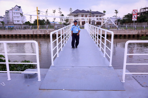 Cận cảnh bến buýt đường sông đầu tiên ở Sài Gòn sẽ hạ thủy vào tháng 9 - Ảnh 9.
