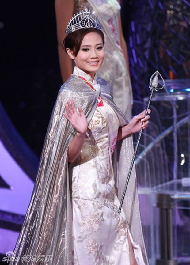Hơn 30 năm qua, các thế hệ Hoa hậu Hồng Kông dần tuột sắc đến thảm hại - Ảnh 11.