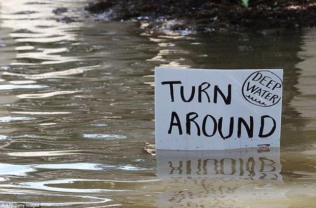 38 người chết và 48.700 ngôi nhà bị phá hủy sau cơn bão Harvey: Đây có thể chưa phải là thống kê thiệt hại cuối cùng - Ảnh 9.