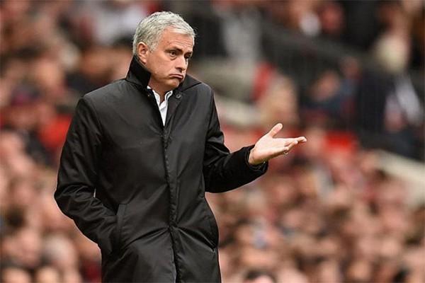 Mourinho dựng lại chuyện Thỏ và Rùa ở Premier League - Ảnh 9.