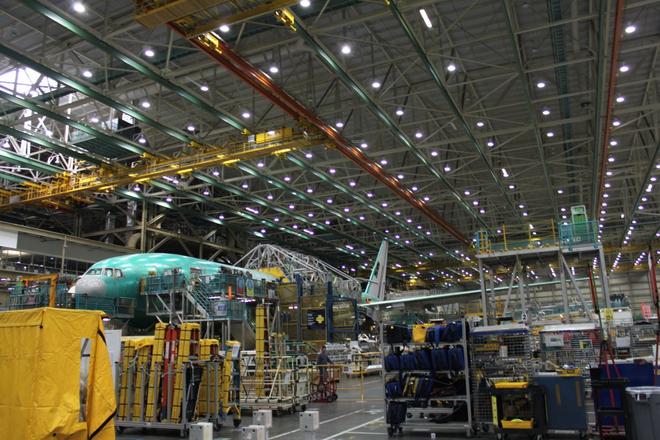 Dạo một vòng quanh nhà máy sản xuất máy bay lớn nhất của Boeing - Ảnh 9.
