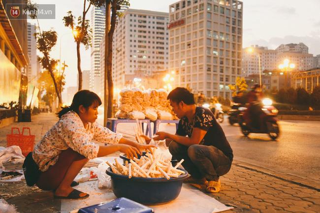 Bỏng gậy - Món quà quê dân dã của người Việt lại gây thích thú trên blog ẩm thực nước ngoài - Ảnh 11.