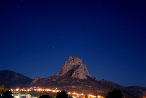 10 kỳ quan thiên nhiên là những tảng đá nguyên khối lớn nhất thế giới - Ảnh 10.