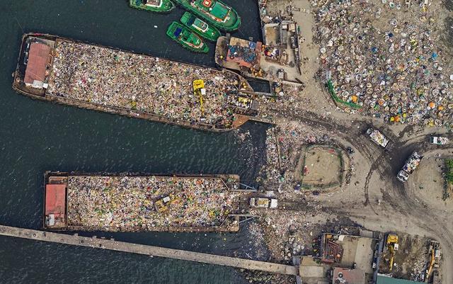 """Những hình ảnh """"nghẹt thở"""" về cuộc sống ở Manila - thành phố đông dân cư bậc nhất thế giới - Ảnh 10."""