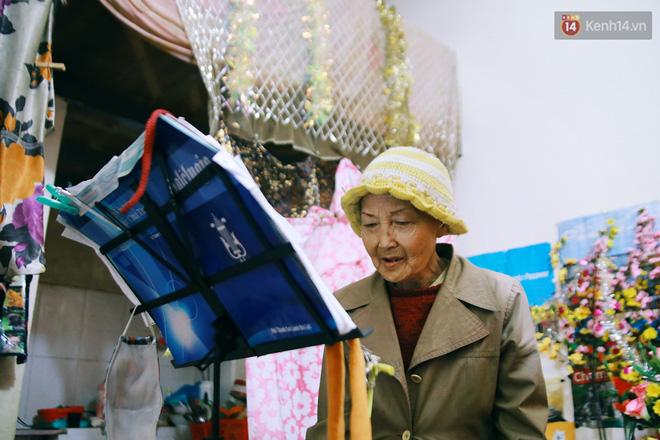 Hồng nhan thời trẻ nhưng về già chẳng chồng con, cụ bà 83 tuổi bầu bạn với thú hoang nơi phố núi Đà Lạt - Ảnh 11.
