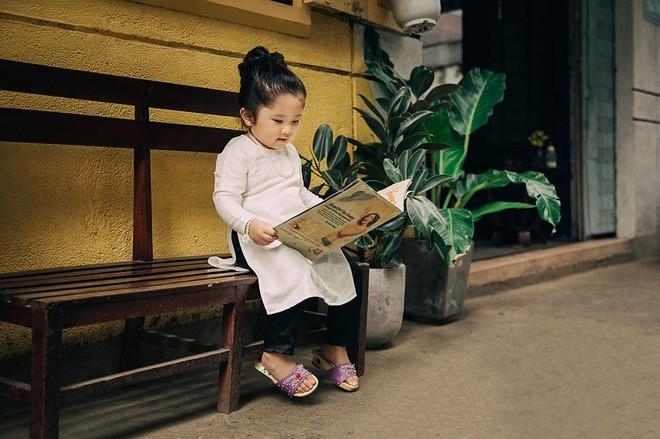 Đây chính là cô Ba Sài Gòn phiên bản 2,5 tuổi cưng hết sảy khiến dân mạng phát cuồng - Ảnh 10.