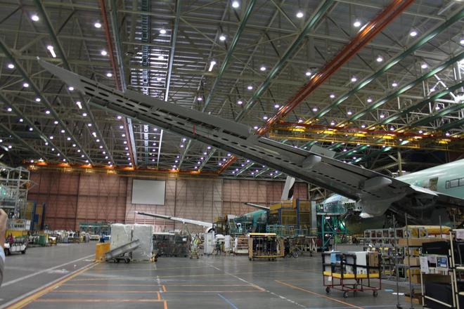 Dạo một vòng quanh nhà máy sản xuất máy bay lớn nhất của Boeing - Ảnh 10.