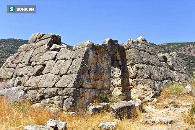 Phát hiện tàn tích kim tự tháp lâu đời bậc nhất hành tinh, kim tự tháp Ai Cập chưa là gì! - Ảnh 1.