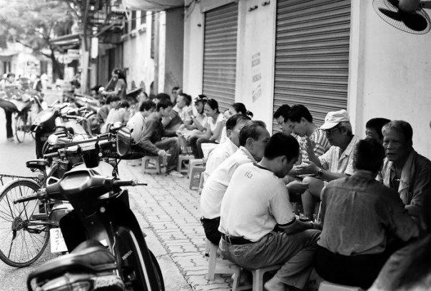 Bao giờ Việt Nam có tư duy vỉa hè và tầm nhìn vỉa hè như thế này? - Ảnh 2.