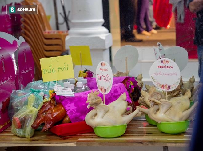 Các nghệ sỹ nổi tiếng Sài Gòn tổ chức lễ cúng Tổ nghề - Ảnh 2.