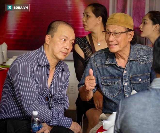 Các nghệ sỹ nổi tiếng Sài Gòn tổ chức lễ cúng Tổ nghề - Ảnh 14.
