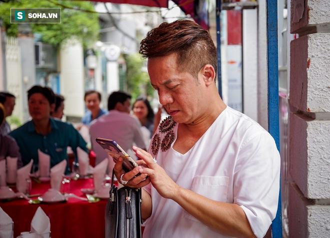 Các nghệ sỹ nổi tiếng Sài Gòn tổ chức lễ cúng Tổ nghề - Ảnh 21.