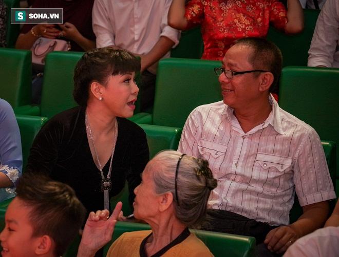 Các nghệ sỹ nổi tiếng Sài Gòn tổ chức lễ cúng Tổ nghề - Ảnh 13.