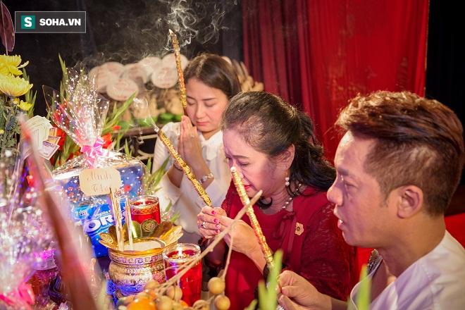 Các nghệ sỹ nổi tiếng Sài Gòn tổ chức lễ cúng Tổ nghề - Ảnh 5.