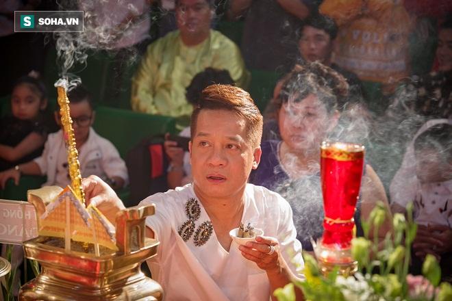 Các nghệ sỹ nổi tiếng Sài Gòn tổ chức lễ cúng Tổ nghề - Ảnh 6.