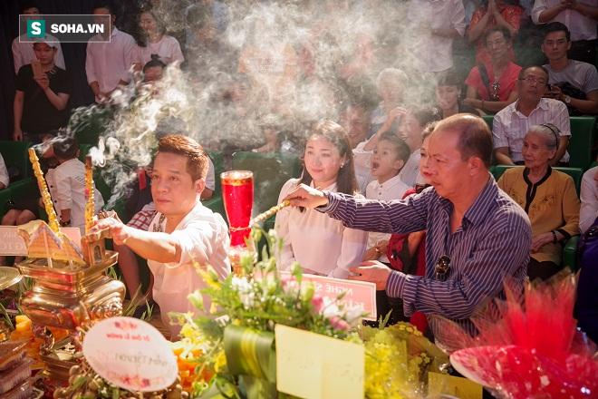 Các nghệ sỹ nổi tiếng Sài Gòn tổ chức lễ cúng Tổ nghề - Ảnh 7.
