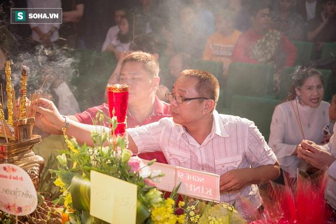 Các nghệ sỹ nổi tiếng Sài Gòn tổ chức lễ cúng Tổ nghề - Ảnh 9.