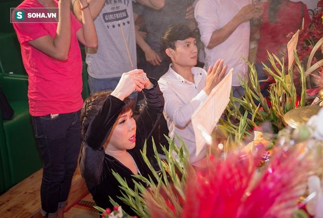 Các nghệ sỹ nổi tiếng Sài Gòn tổ chức lễ cúng Tổ nghề - Ảnh 10.