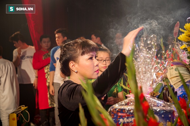 Các nghệ sỹ nổi tiếng Sài Gòn tổ chức lễ cúng Tổ nghề - Ảnh 11.