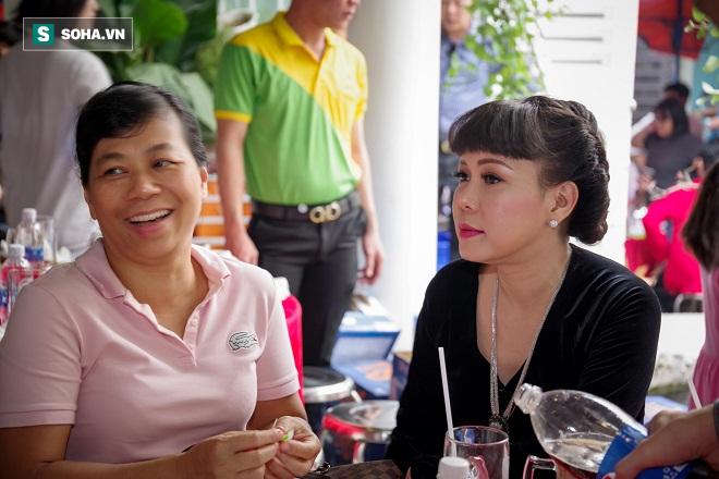 Các nghệ sỹ nổi tiếng Sài Gòn tổ chức lễ cúng Tổ nghề - Ảnh 16.