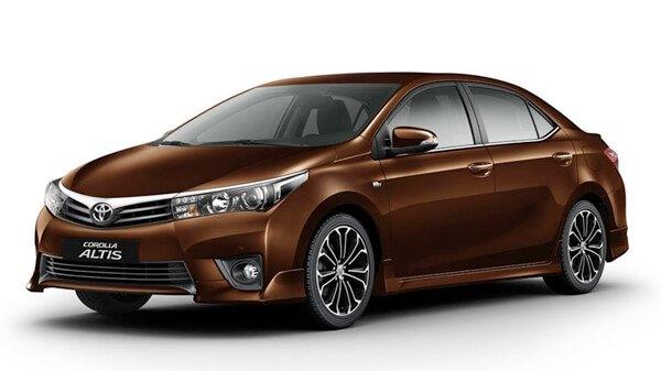 Hàng loạt ô tô Toyota tại Việt Nam giảm giá mạnh trăm triệu - Ảnh 3.