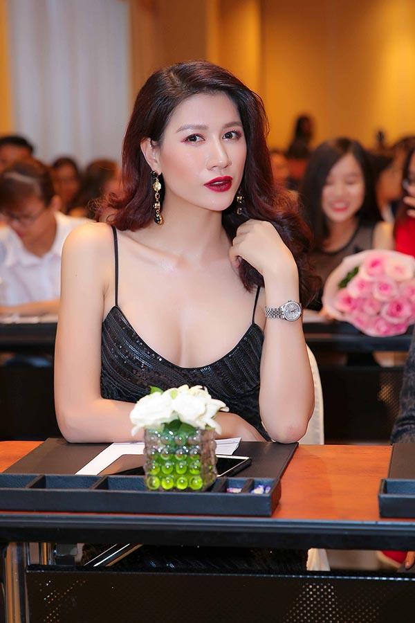 Hoài Lâm kết đôi cùng Ngọc Thanh Tâm trong phim chiếu Tết - Ảnh 8.