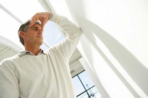 Nắng nóng kỷ lục, cần nhớ 7 dấu hiệu căn bệnh nguy hiểm ai cũng có thể gặp khi đi nắng - Ảnh 2.