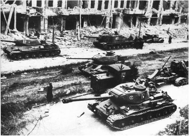 Ảo tưởng sức mạnh, Anh từng lên kế hoạch xâm chiếm Liên Xô - Ảnh 1.