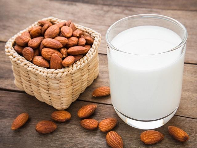 Sữa nghệ hạnh nhân: Bài thuốc chống viêm rất hiệu quả bạn hãy uống ngay khi chớm bệnh - Ảnh 2.