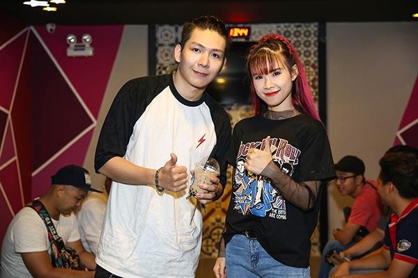 Kelvin Khánh ôm chặt đồng nghiệp nam trước mặt Khởi My - Ảnh 5.