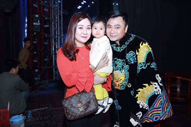 Vợ 8x xinh đẹp của Tự Long: Đã hết cảnh chăm con mòn mỏi chờ chồng tập Táo quân 2017 - Ảnh 2.