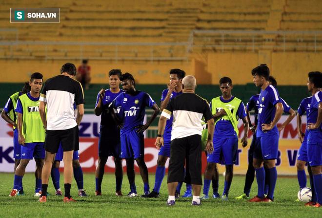 Trụ cột U23 Malaysia mất tích khó hiểu trước giờ G - Ảnh 4.