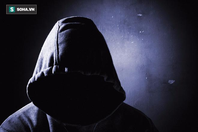 Nửa đêm tử tù đột nhập vào nhà, cô gái trẻ nếm trải cơn ác mộng đau đớn nhất đời - Ảnh 3.
