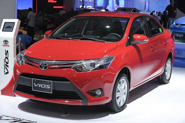 Hàng loạt ô tô Toyota tại Việt Nam giảm giá mạnh trăm triệu - Ảnh 2.