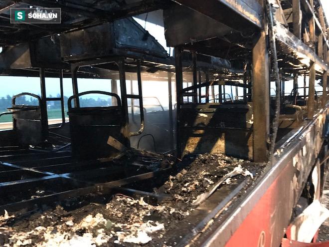 Xe giường nằm cháy như đuốc trên quốc lộ 1A - Ảnh 13.