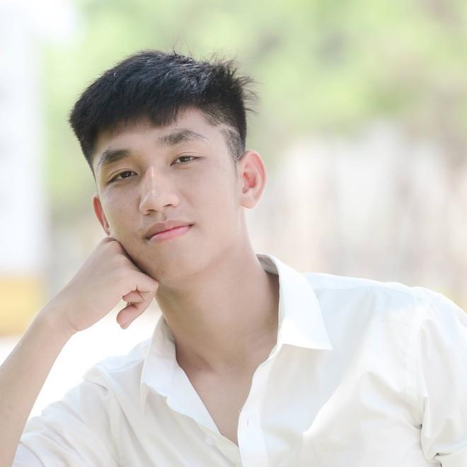 Đếm không hết hotboy của U23 Việt Nam, đây là Nguyễn Trọng Đại - chàng cầu thủ cao 1m84! - Ảnh 4.
