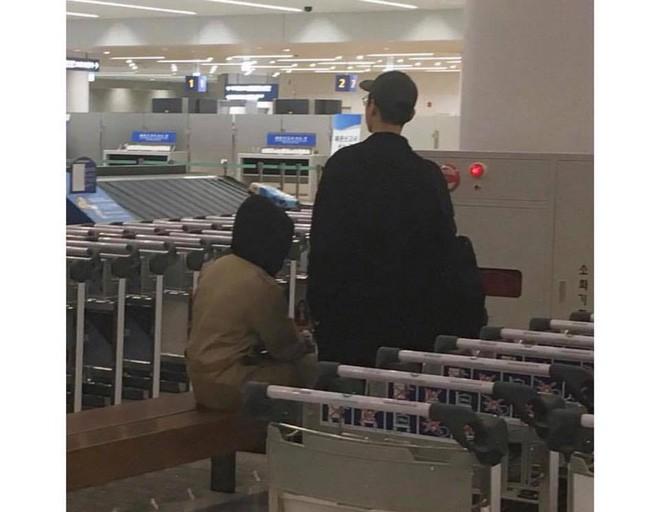 Song Hye Kyo cùng chồng âm thầm trở về Hàn sau tin đồn mang thai - Ảnh 3.
