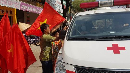BOT Cần Thơ - Phụng Hiệp xả trạm để ủng hộ U23 Việt Nam - Ảnh 1.
