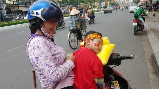 BOT Cần Thơ - Phụng Hiệp xả trạm để ủng hộ U23 Việt Nam - Ảnh 2.