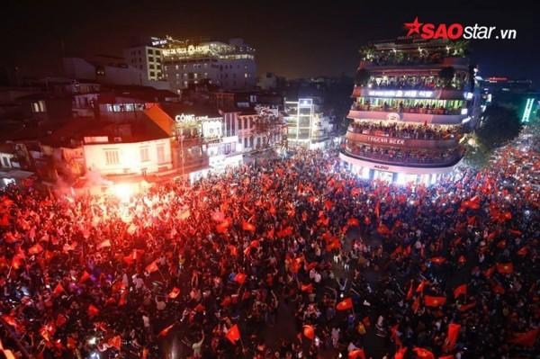 Nếu chiều nay U23 Việt Nam vô địch, người dân 3 miền sẽ làm gì để ăn mừng? - Ảnh 3.